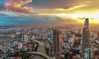 Международные СМИ: В 2021 году ожидается положительный рост вьетнамской экономики