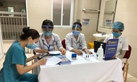 В разных районах Вьетнама продолжается 1-й этап вакцинации от коронавируса