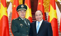 PM Vietnam, Nguyen Xuan Phuc menerima Wakil Ketua Komisi Militer Sentral PKT
