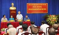 Sekjen KS PKV, Nguyen Phu Trong melakukan kontak dengan para pemilih distrik Hai Ba Trung, kota Hanoi