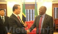 Presiden Tanzania berkomitmen akan menciptakan semua syarat yang kondusif kepada para investor Vietnam