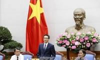 Partai Komunis dan Negara Vietnam memberikan prioritas istimewa kepada orang-orang yang berjasa kepada Tanah Air