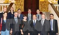 Vietnam selalu menginginkan agar badan-badan usaha Eropa melakukan investasi di Vietnam