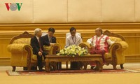 Sekjen KS PKV, Nguyen Phu Trong  mengadakan pertemuan dengan Ketua Parlemen Myanmar