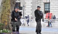 Inggris menahan banyak tersangka teroris