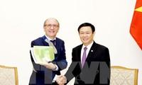 Mendukung badan-badan usaha Belgia melakukan investasi di Vietnam