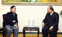 PM Vietnam, Nguyen Xuan Phuc menerima mantan PM Laos