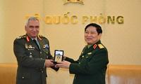 Menhan Vietnam, Ngo Xuan Lich menerima Ketua Komisi Militer Uni Eropa