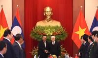 Sekjen, Presiden Laos, Bounnhang Vorachith mengakhiri dengan baik kunjungan persahabatan resmi di Vietnam