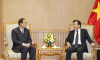 Deputi PM Vietnam, Trinh Dinh Dung menerima Ketua Asosiasi Persahabatan Myanmar-Vietnam