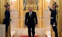 Pilpres Rusia: Presiden Vladimir Putin mempertahankan prosentase dukungan yang besar dalam jajak-jajak pendapat