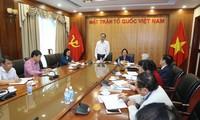 Ketua Pengurus Besar Front Tanah Air Vietnam, Tran Thanh Man melakukan temu kerja dengan Asosiasi Penyuluhan Belajar Vietnam dan Komite Persatuan Katolik Vietnam