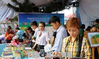 Hari Buku Vietnam (21/04): Mengembangkan budaya membaca dalam masyarakat