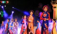 Pagelaran busana Ao Dai diadakan dalam rangka Festival Hue 2018
