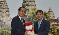 Vietnam dan Kamboja mendorong pertukaran dagang bilateral