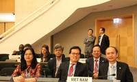 Majelis Umum Kesehatan Dunia: Mengubah tindakan demi tujuan yang bersifat mencakup dalam perawatan kesehatan seluruh rakyat
