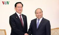 PM Viet Nam Nguyen Xuan Phuc menerima Menhan Republik Korea