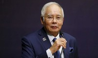 Malaysia menangkap mantan PM Najib Razak