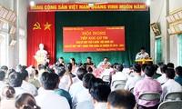 Wakil Ketua MN Vietnam, Do Ba Ty melakukan kontak dengan para pemilih di Kabupaten Bat Xat, Provinsi Lao Cai