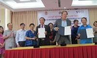 Mendorong dialog masyarakat dalam cabang tekstil dan produk tekstil Vietnam