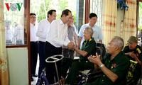 Presiden Vietnam Tran Dai Quang mengunjungi Pusat Perawatan Prajurit Penyandang Disabilitas dan Orang yang berjasa Long Dat, Provinsi Ba Ria-Vung Tau