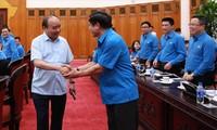 PM Vietnam, Nguyen Xuan Phuc melakukan temu kerja dengan Konfederasi Serikat Pekerja Vietnam