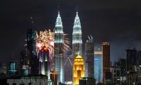 Vietnam dan Malaysia tidak henti-hentinya memperkokoh dan mengembangkan hubungan bilateral