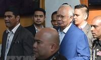 Malaysia menetapkan waktu mengadili mantan PM Najib Razak