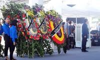 Rakyat seluruh Vietnam merasa sedih atas wafatnya  Presiden Tran Dai Quang selaku wakil rakyat