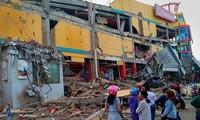 Gempa dan tsunami di Indonesia: jumlah orang yang tewas telah bertambah menjadi kira-kira 1.300 orang