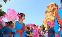 Warga etnis Cham bergembira merayakan Pesta Kate tahun 2018