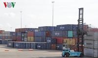 Vietnam mencapai surplus perdagangan  sebesar 6,33 miliar USD