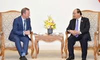 Membawa hubungan kemitraan strategis Vietnam-Inggris ke ketinggian baru