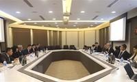 Memperhebat kerjasama pertahanan Vietnam-Singapura di banyak bidang