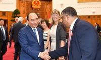 Kebijakan visa yang terbuka terus dilaksanakan  untuk mengembangkan pariwisata Vietnam
