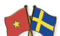 Surat ucapan selamat sehubungan dengan HUT ke-50 penggalangan hubungan diplomatik Vietnam-Swedia