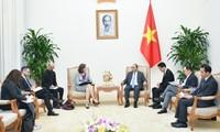 PM Nguyen Xuan Phuc menerima Dubes Cile dan Kanada