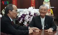 Sekretaris  Komite Partai Komunis Kota Ho Chi Minh, Nguyen Thien Nhan mengucapkan selamat Hari Raya Tet para pemuka agama