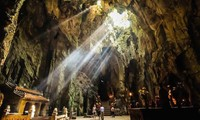 Lebih dari 60.000 wisatawan berkunjung ke Situs Peninggalan Sejarah Nasional yang Istimewa Ngu Hanh Son