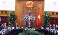PM Vietnam, Nguyen Xuan Phuc menerima delegasi badan-badan usaha dari Dewan Bisnis AS – ASEAN