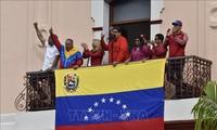 Pemerintah dan faksi oposisi Venezuela bersama-sama mencanangkan  demonstrasi di Karakas