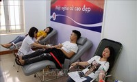 Daerah-daerah menyambut Hari seluruh warga menyumbangkan darah sukarela