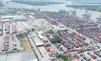 Solusi-solusi mengembangkan zona ekonomi titik berat  di Vietnam sebelah Selatan