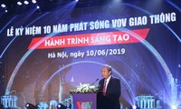Deputi Harian PM Vietnam, Truong Hoa Binh menghadiri acara peringatan HUT ke-10 Pembentukan kanal VOV Lalu Lintas