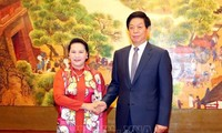 Ketua MN Nguyen Thi Kim Ngan melakukan pembicaraan dengan Ketua Kongres Rakyat  Tiongkok, Li Zhanshu