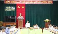 Kepala Departemen Ekonomi KS PKV, Nguyen Van Binh melakukan temu kerja dengan pimpinan teras Provinsi Quang Tri
