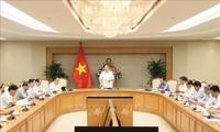 Deputi PM Vietnam, Vuong Dinh Hue memimpin sidang Badan Pengarahan Pusat melaksanakan berbagai program target nasional