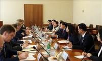 Menteri Dalam Negeri Vietnam, Le Vinh Tan melakukan kunjungan kerja di Federasi Rusia