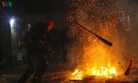 """Upacara """"Terjun ke api"""" (Nhiang Chang Dao) dari orang Dao Merah di Provinsi Dien Bien"""