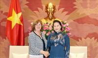 Ketua MN Vietnam, Ibu Nguyen Thi Kim Ngan menerima Kelompok  Legislator Persahabatan Perancis-Vietnam